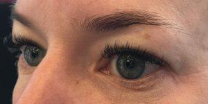 Hennabrows voor rechts
