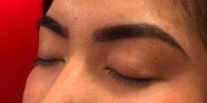 Hennabrow behandeling na rechts